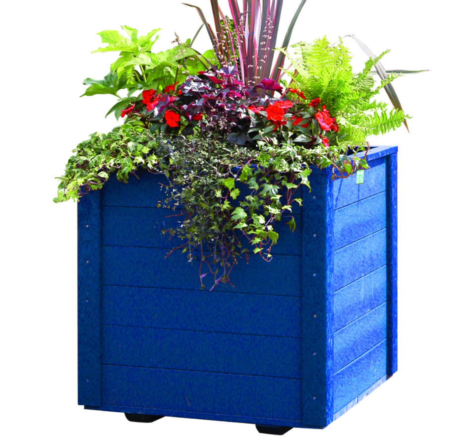 Recycled Plastic Picnic Tables, Planters & Raised Beds