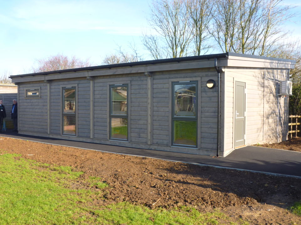 Modular Classroom Building Ipfw : Mobile classroom building at kington st michael primary