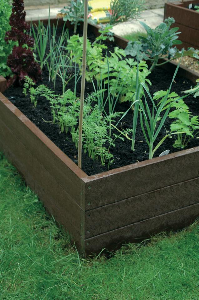 Recycled Plastic Picnic Tables Planters Amp Raised Beds